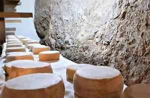 formagella capra stagionata Azienda Agricola Grezzini Ines Tremosine sul Garda